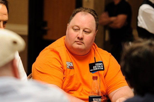 "Greg Raymer, 2004 WSOP Main Event winner, whose unusual hobby earned him the nickname ""Fossilman"" (source: pokernews.com)"