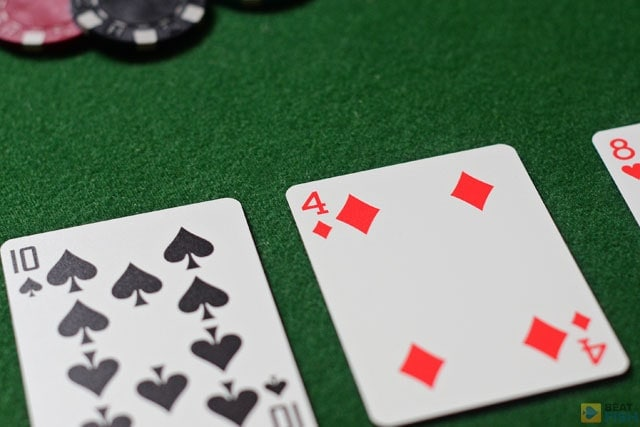 In terms of betting rounds and hand strength rules, Omaha poker is just like Hold'em