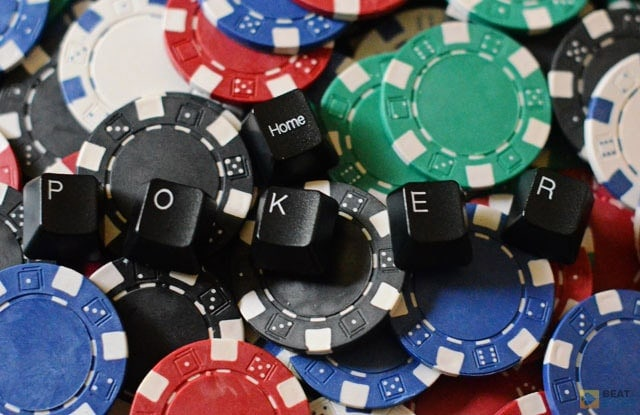 Most online poker tells are connected to betting time. For example, instant checking usually signifies a weak hand