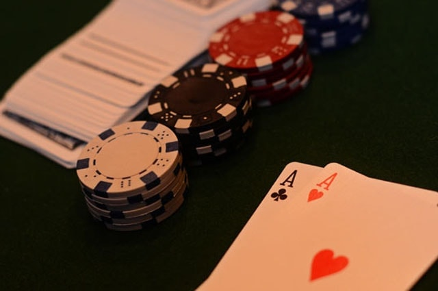 Stealing blinds is a very significant part of your winning quick-fold poker strategy. People will not be as keen to defend their blinds with weak holdings when next hand is just around the corner