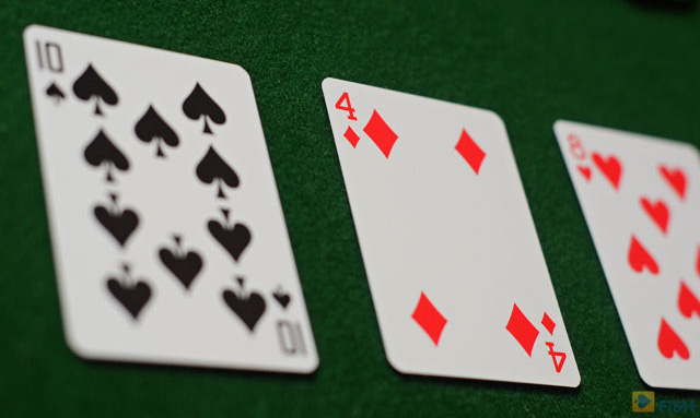 Although Limit Hold'em is no longer as popular, if you are looking to learn this older game variation, Winning Low Limit Hold'em is an excellent choice