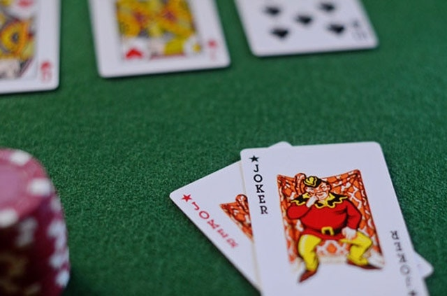 How does a wild card work in poker mini baccarat las vegas