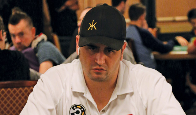 Robert Mizrachi, brother of the more famous 'Grinder', will be making a run at his fourth WSOP bracelet tonight