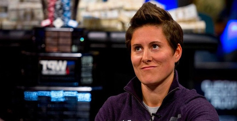 Vanessa Selbst quits poker