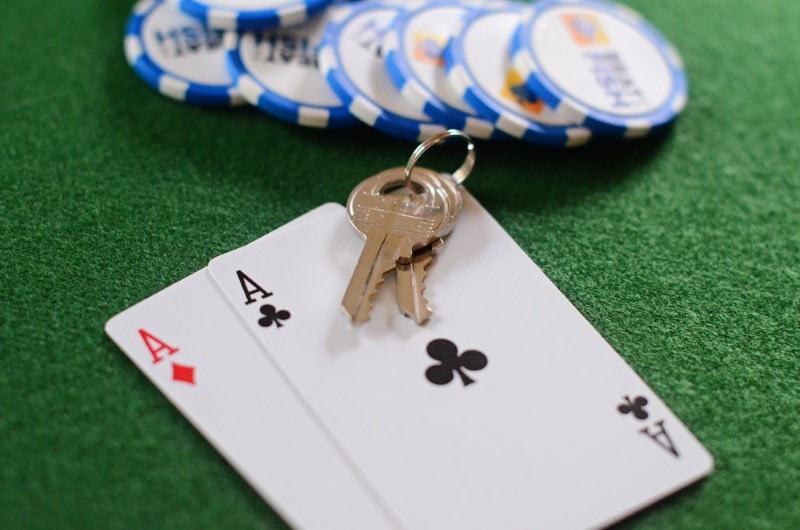 Texas Hold /'Em Casino Keychain Game