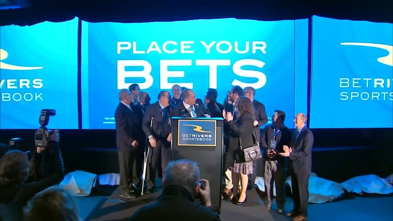 Online Sports Betting Officially Launches In Illinois